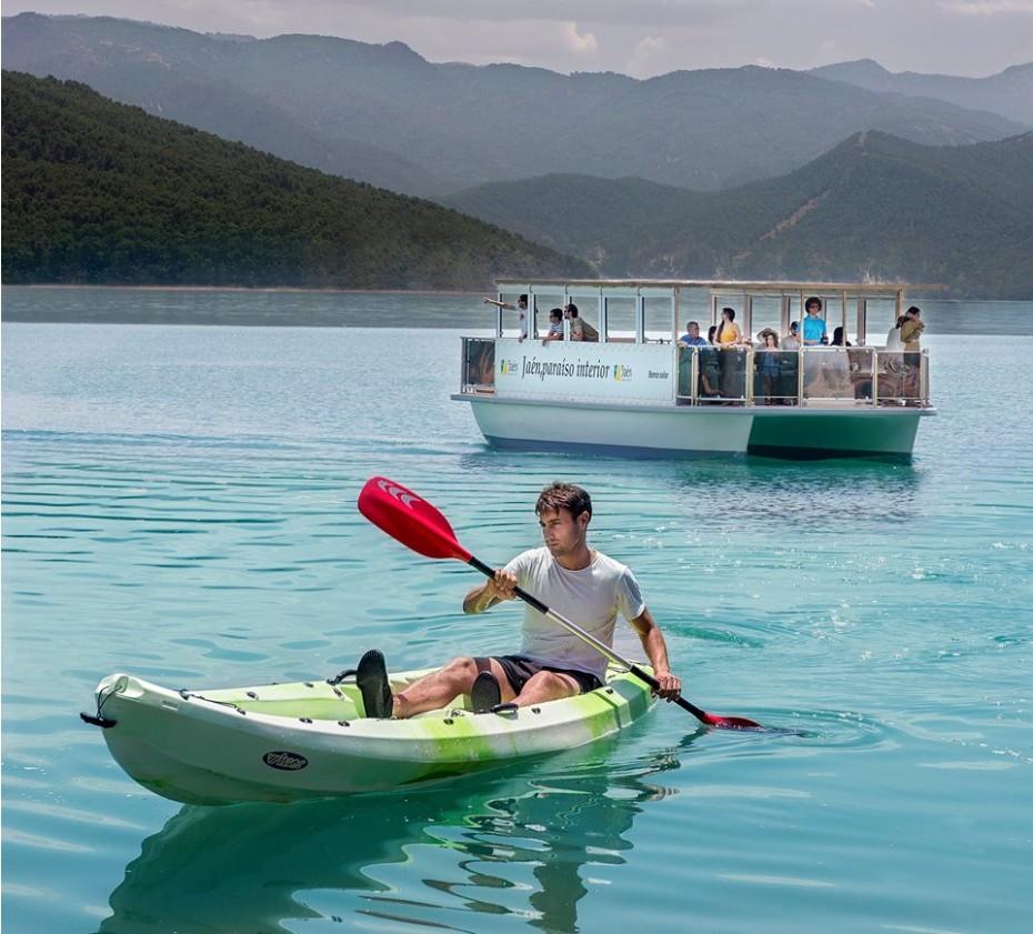 Centro de ocio y barco solar del Tranco, un potente recurso turístico para la Sierra de Segura