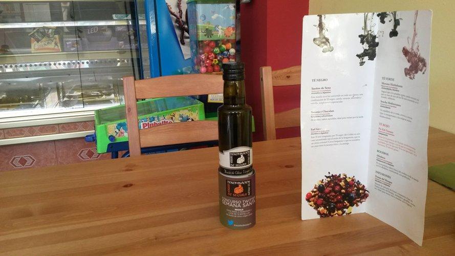 """El CRDOP """"Sierra de Segura"""" promociona el aceite de oliva virgen extra durante Semana Santa en los bares y restaurantes de la comarca"""