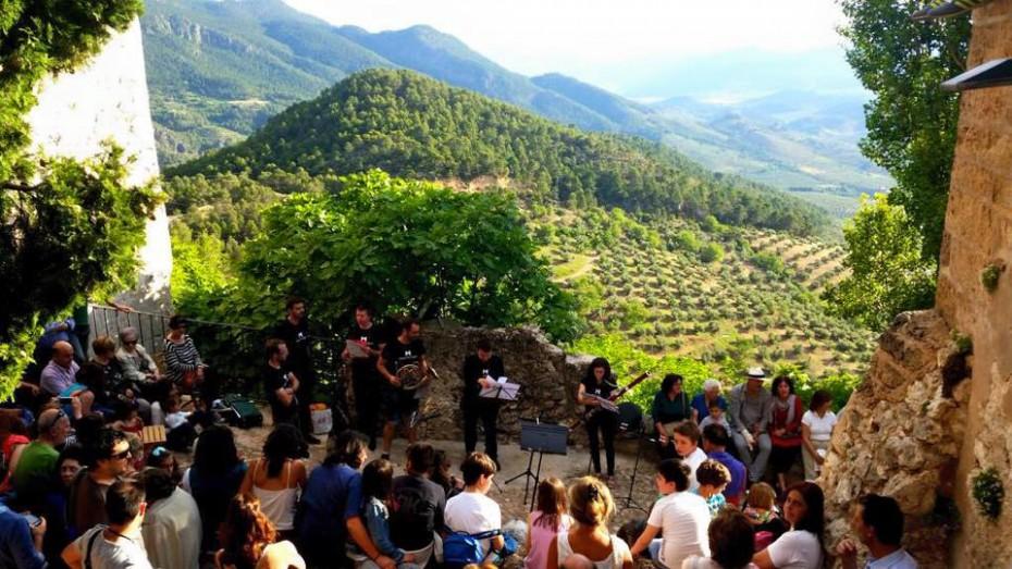 """La DO """"Sierra de Segura"""" impulsa un concierto en una almazara para promocionar el aceite de oliva de calidad"""