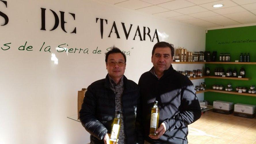 """Oleofer entra en el mercado chino con su aceite de oliva virgen extra con DO """"Sierra de Segura"""""""